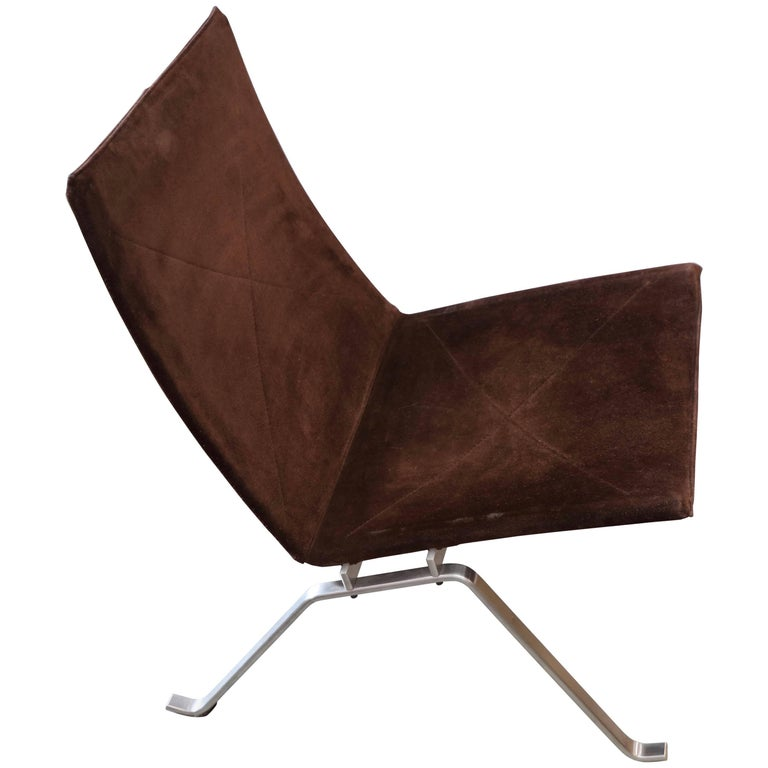 poul kjaerholm pk 22 chair by fritz hansen in brown suede for sale