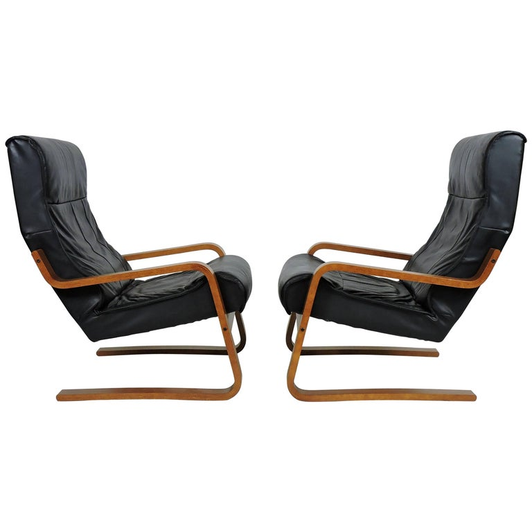 Pair of Danish Modern Alvar Aalto Style Cantilevered Teak Leather Lounge Chairs