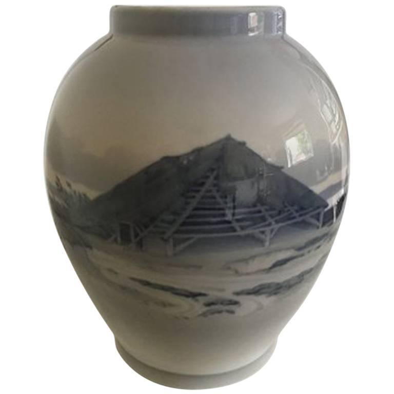 Royal Copenhagen Unique Vase by Richard Bøcher from 6th of January 1923