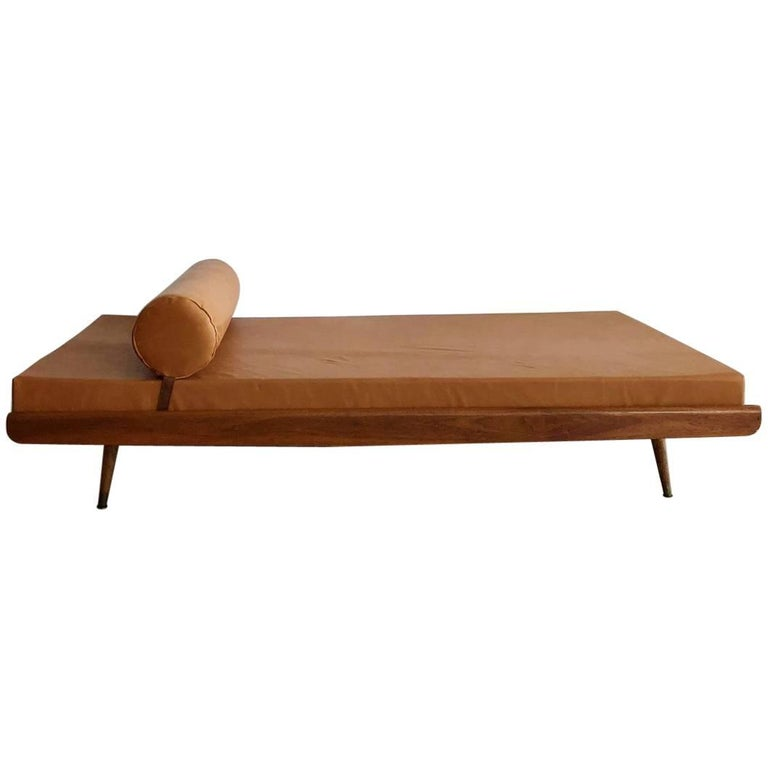 Mid-Century Lounge Daybed in Caramel Genuine Leather Upholstery