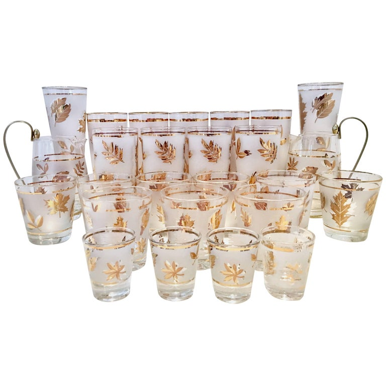 """Mid-Century Frosted & 22 Karat Gold """"Leaf"""" Drinks S/26 For Sale"""