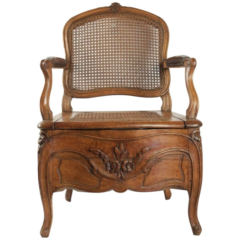 Commode Chair Period Louis XV with Its Original Porcelain Basin from Rouen  For Sale - Commode Chair Period Louis XV With Its Original Porcelain Basin From