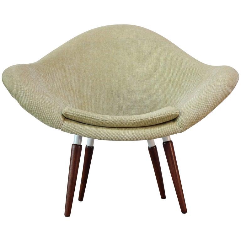 Miroslav Navratil 'Lotus' Lounge Chair