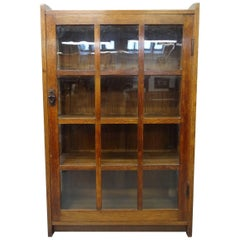 Arts & Crafts Mission Bookcase Oak Cabinet by Gustav Stickley circa 1903