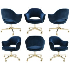 Saarinen Executive Arm Chairs in Navy Velvet, Swivel Base, 24k Gold Edition - 6