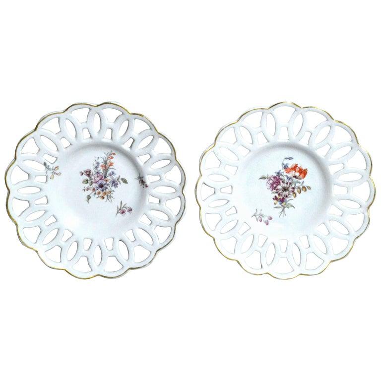 English Porcelain Chelsea Gold Anchor Latticed Botanical Circular Dishes, 1760