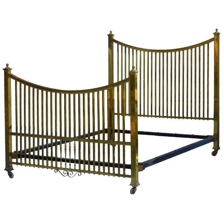 Brass Bed Maple & Co Antique US Queen UK King Size, English, circa 1900 For Sale
