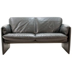 Leolux Bora Loveseat in Anthracite Leather