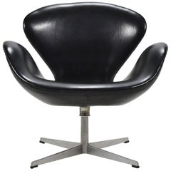 Arne Jacobsen Black Leather Swan Chair by Fritz Hansen