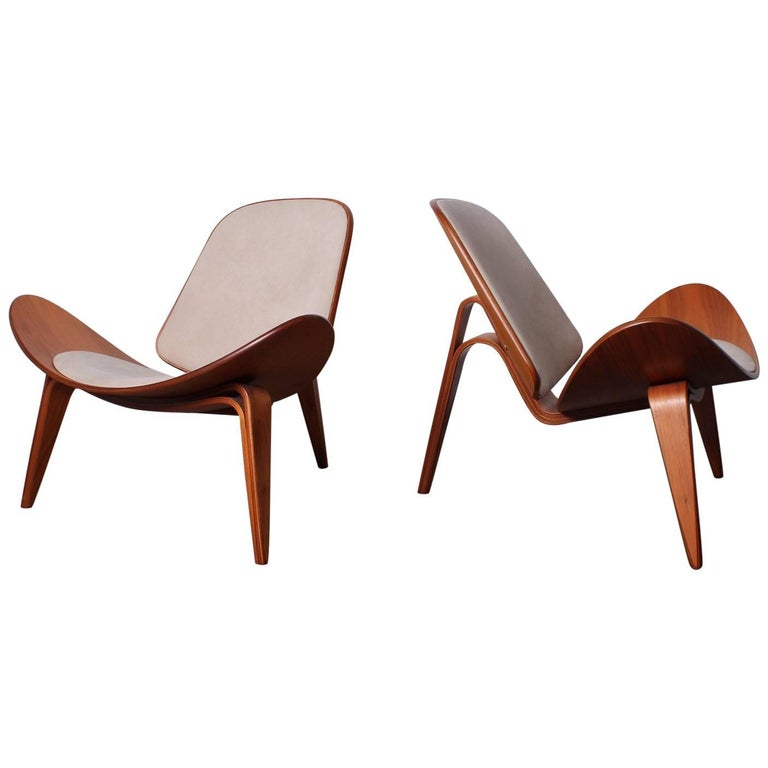Pair of Shell Chairs by Hans Wegner For Sale