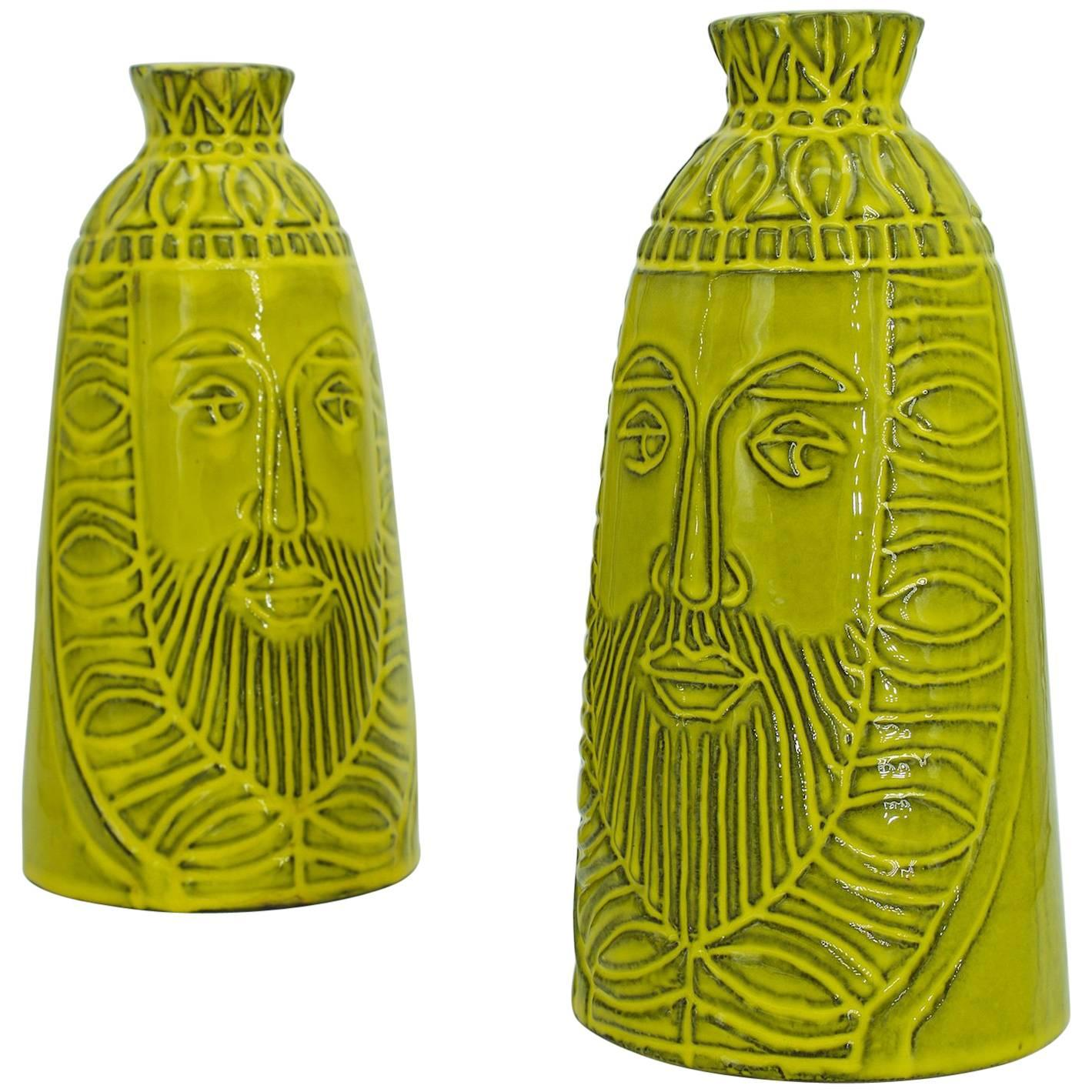 1960s Pair Rare Chess King Decanters by Raul Coronel for Treasure Craft USA