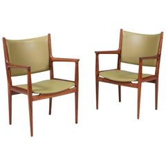 Hans J. Wegner JH-509 Arm Chairs for Johannes Hansen