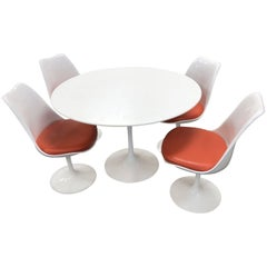 Eero Saarinen for Knoll International Tulip Dining Set, Newer