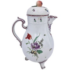 German Louisbourg Faïence Tea Pot with Flower motif and Apple on the Top, 1800s