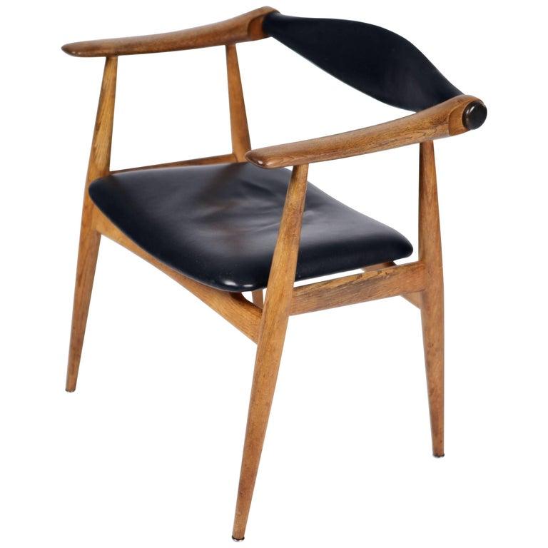 Hans Wegner, the Yoke Chair CH34, Oak and Black Leather