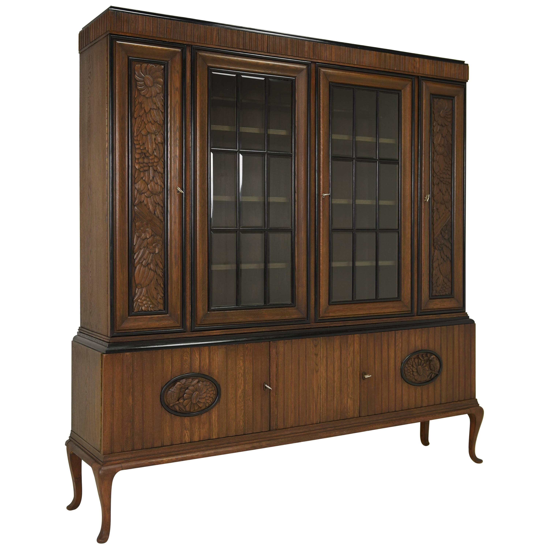 Attirant Art Deco Showcase Cabinet From 1925 For Sale
