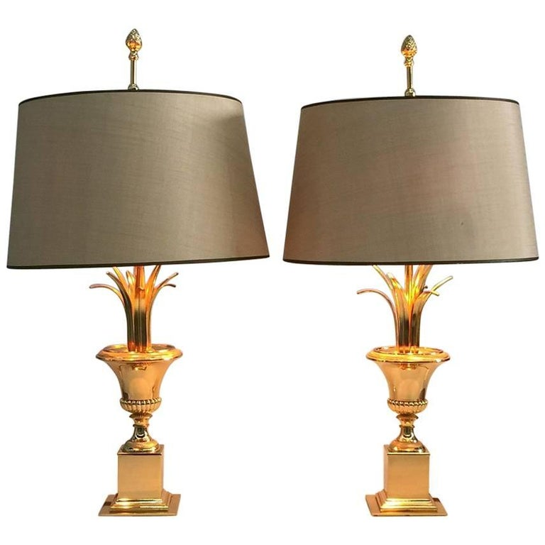 Pair of Gilt Metal Italian Side Table Lamps by Maison Charles, 1970s For Sale