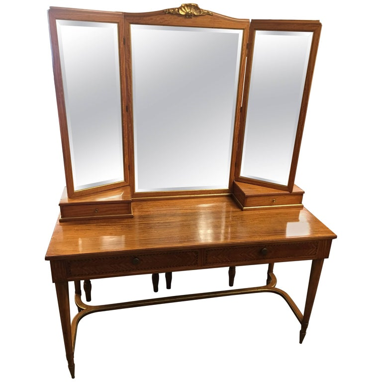 Vintage French Satinwood Vanity Table with Inlaid Wood and Gold Accents For  Sale - Vintage French Satinwood Vanity Table With Inlaid Wood And Gold