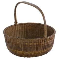 Large Shallow Round Nantucket Lightship Basket Made by Davis Hall