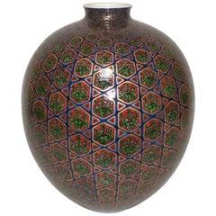 Japanese Imari Red Green Gilded Porcelain Vase by Master Artist circa 2005