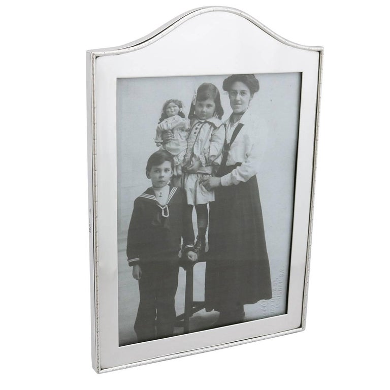 Edwardian Sterling Silver Photograph Frame by Goldsmiths & Silversmiths Co Ltd For Sale