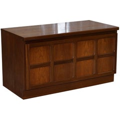 Lovely Mid-Century Modern Nathan the Master Craftsman Low TV Unit Honey Oak