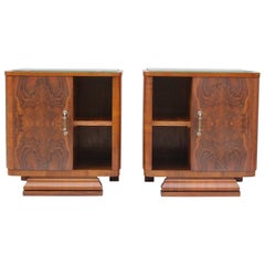 Pair of Matching 1930s Art Deco Night Tables in Burl Walnut Veneer