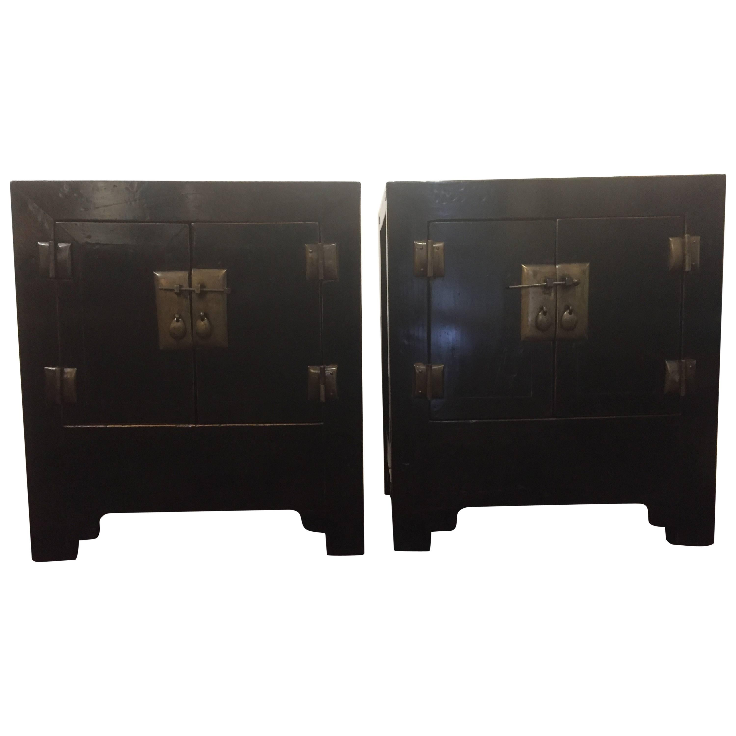 Stunning Pair Of Asian Style Ebonized Nightstands Or End Tables At 1stdibs