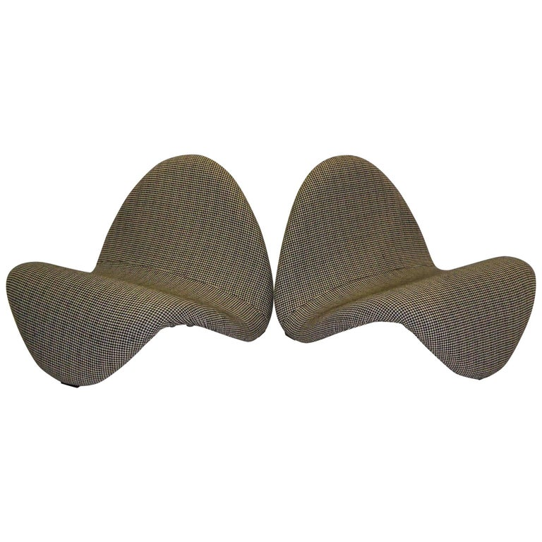 Pair of Pierre Paulin Space Age Tongue Chairs for Artifort 1960s in Houndstooth For Sale