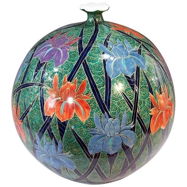 Large Contemporary Imari Decorative Porcelain Vase by Fujii Tadashi