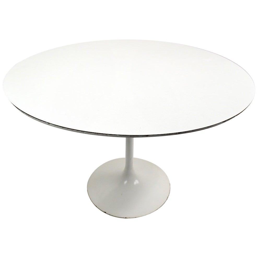 Saarinen for Knoll Pedestal Dining Table
