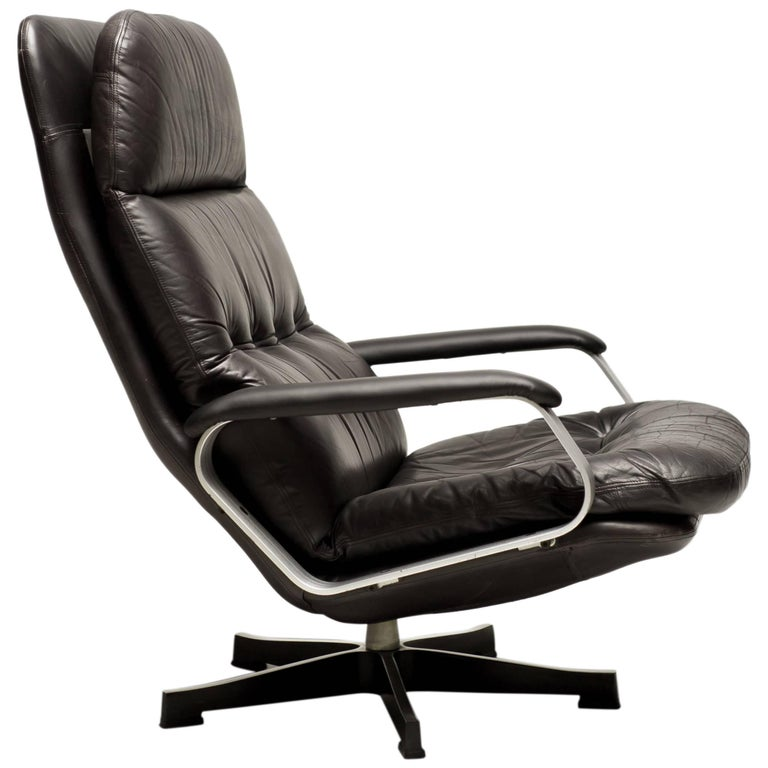 Aluminum and Black Leather Lounge Chair For Sale