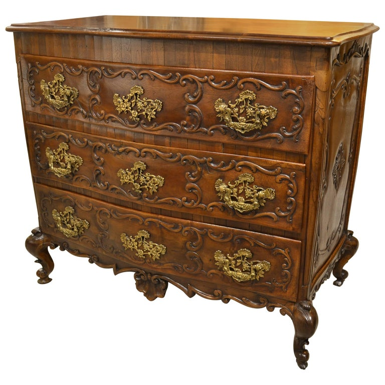 Mid-19th Century Portuguese Commode For Sale