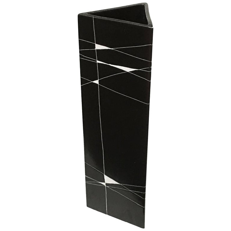 Gunvor Olin-Gronquist Triangular Vase by Arabia