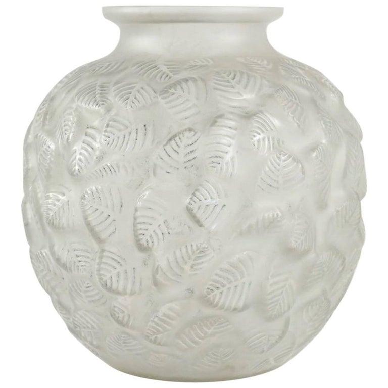 """René Lalique Vase """"Charmilles"""" For Sale"""