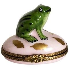 Limoges Green Frog Pale Pink Box