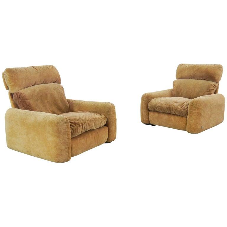 Pair of Busnelli Piumotto Easy Chairs by Architect Arrigo Arrigoni, Italy
