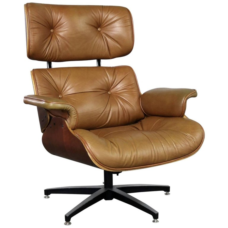 Mid-Century Modern Lounge Chair Attributed to Selig Plycraft in Style of Eames
