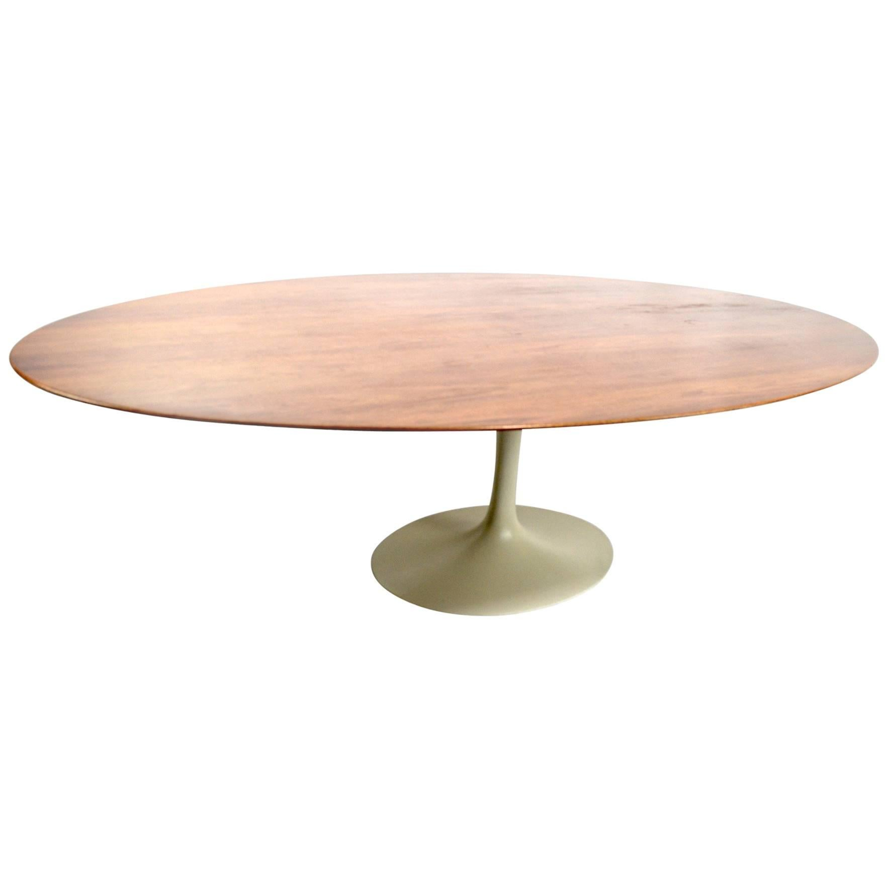 dcf007670bec Saarinen for Knoll Oval Dining Table at 1stdibs