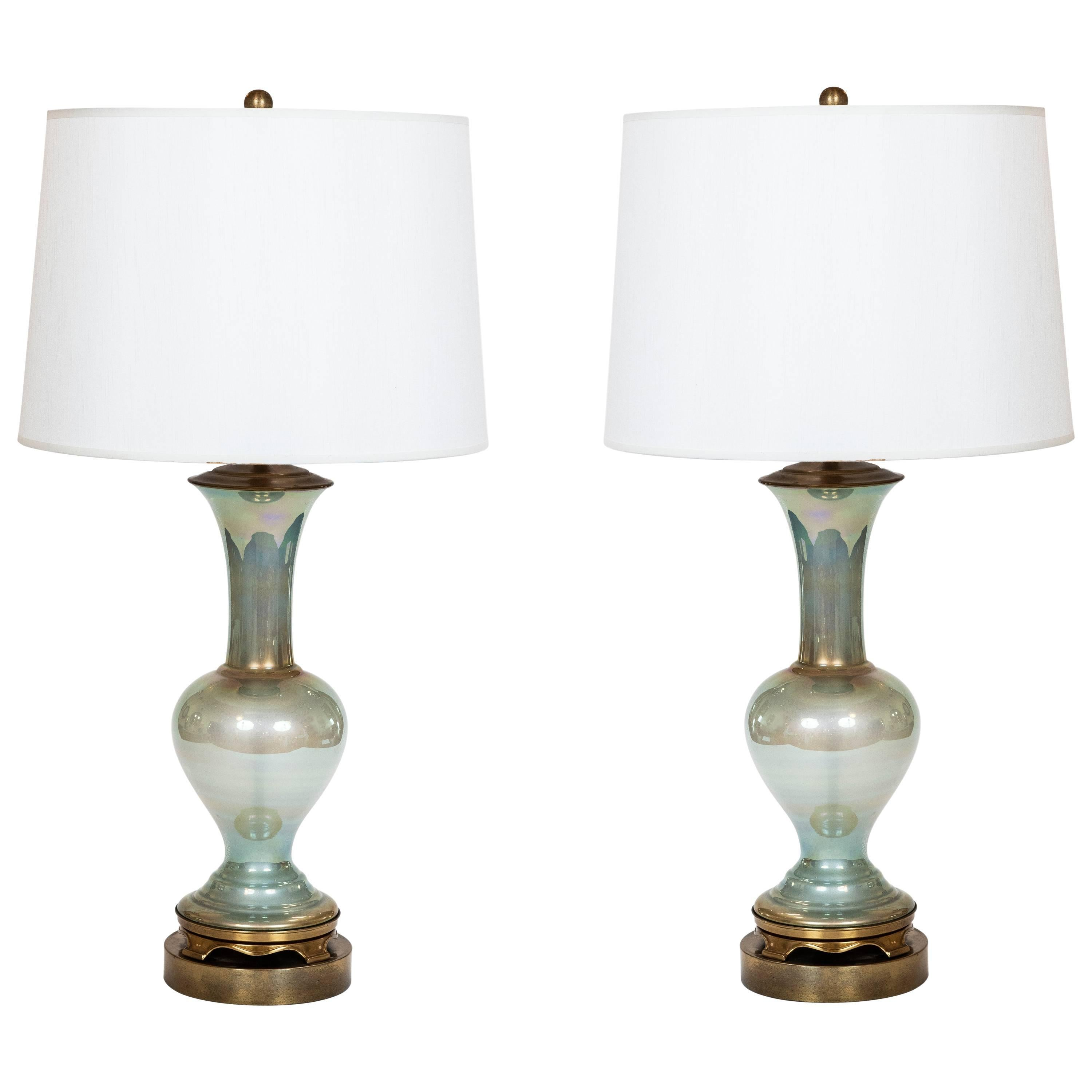 Merveilleux Pair Of Vintage Celadon Iridescent Glass Table Lamps On Brass Base For Sale