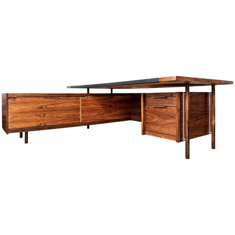 Mid-Century Modern Rosewood Desk by Sven Ivar Dysthe for Dokka Mobler, Norway For Sale