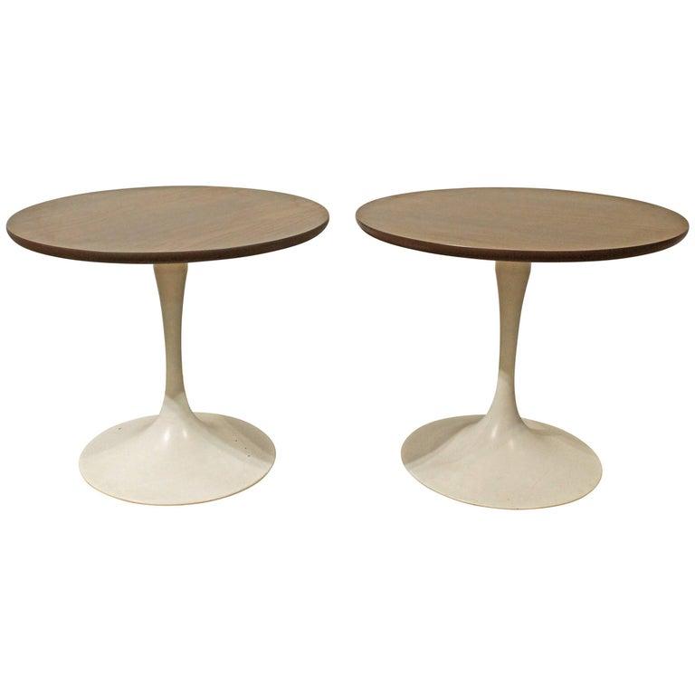 Pair of Mid-Century Modern Saarinen-Style Tulip End Tables