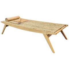 Contemporary Lambda Daybed, Oak Frame with Clear, Matt Oil-Finish Rush Mat
