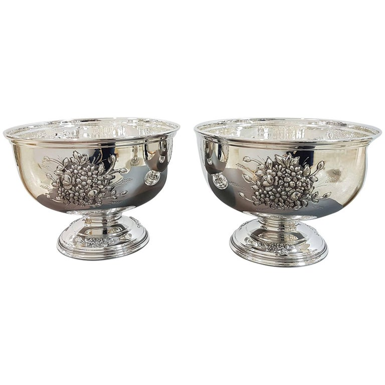 20th Century Italian Silver Centerpieces Embossed and Chiselled with Flowers For Sale