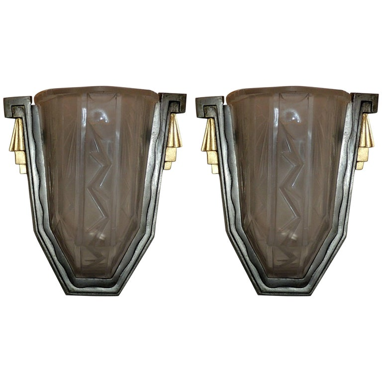 Wonderful Pair of Art Deco Frosted Glass Brushed Nickel Gilt Bronze Wall Sconces For Sale