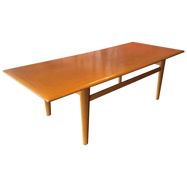 Attrayant Danish Mid Century Modern Oak Coffee Table