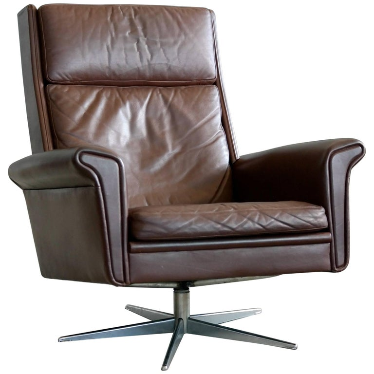 Danish High Back Swivel Lounge Chair in Chocolate Leather by Georg Thams