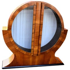 1930s English Art Deco Circular Display Cabinet or Vitrine in Walnut