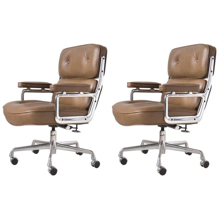 Charles and Ray Eames Pair of Time-Life Chairs by Herman Miller For Sale