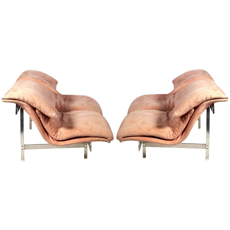 Pair of Curvaceous Italian Sofas or Settees by Saporiti